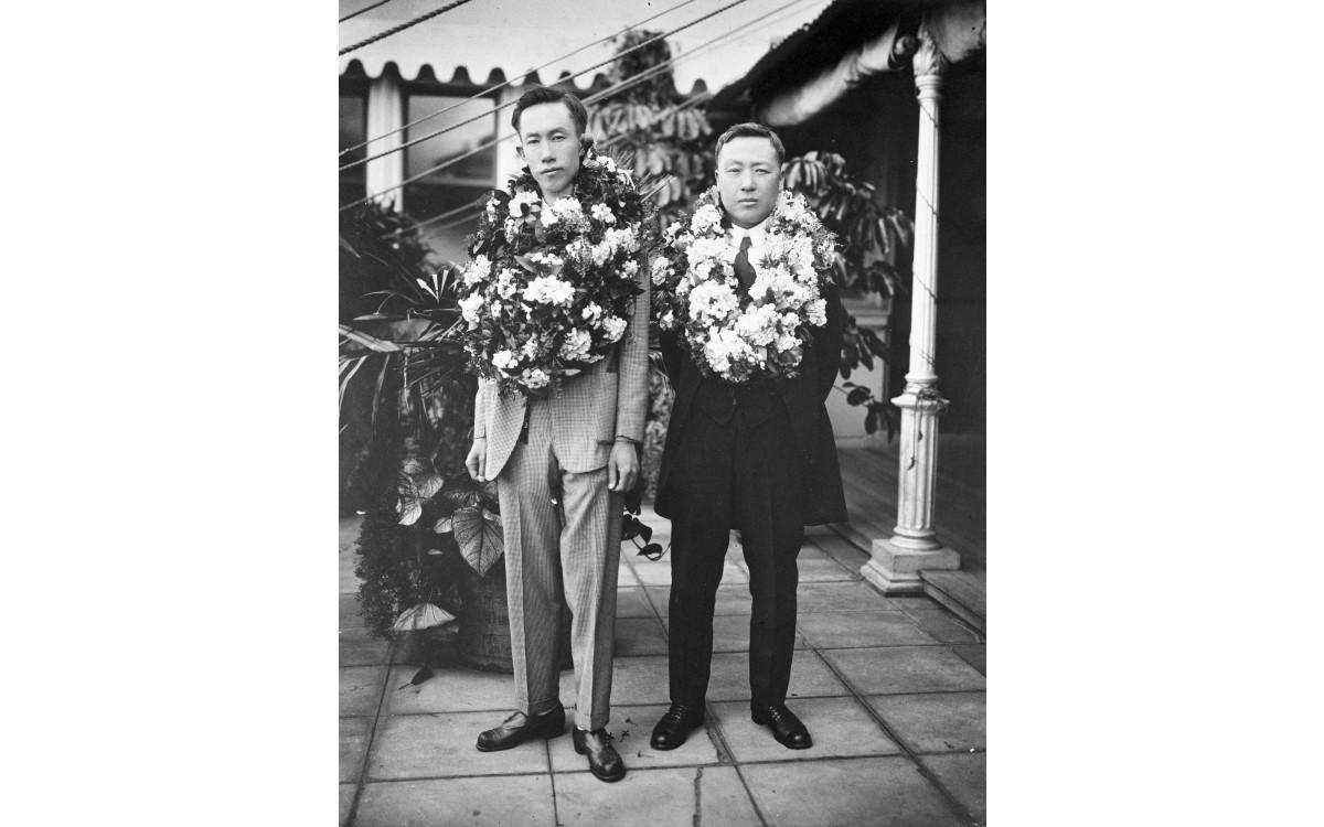 태평양회의에 참석하기 위해 워싱톤에 도착한 정한경과 이승만 (1921년 11월 12일)<br />