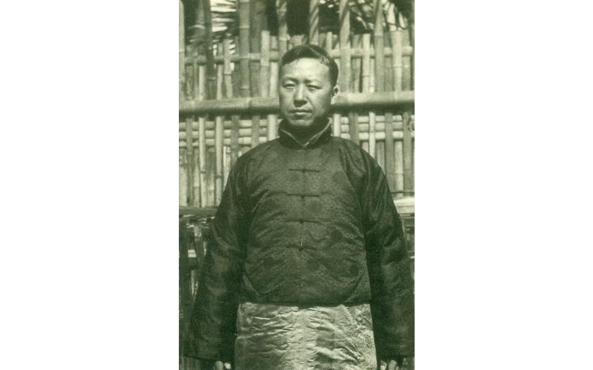 상해에서 중국인으로 변장한 이승만 (1921년 4월 9일)<br />일본경찰의 눈을 피하기 위해 입었던 중국인 옷이다.